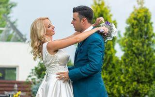 Primele poze de la nunta lui Cornel Ilie: Mirii şi invitaţii au sărit îmbrăcaţi în piscină