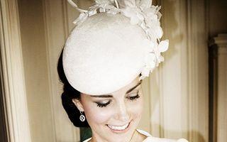 """Imaginile oficiale de la botezul regal: Mica prinţesă Charlotte, o """"păpuşică"""" adorabilă"""