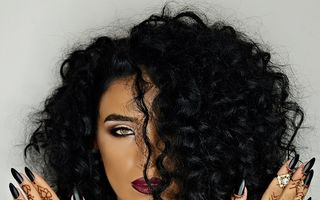 Schimbare radicală de look: Adelina Pestrițu a adoptat stilul Rihannei