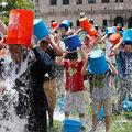"""""""Ice Bucket Challenge"""", după un an: Ce s-a întâmplat cu banii strânşi - VIDEO"""