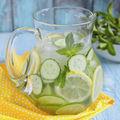 Sănătate. Cele mai bune 5 băuturi care te hidratează când este foarte cald afară