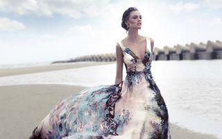 Modă. Ce rochii să porţi la petrecerile în aer liber? 20 de imagini