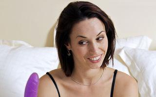 Sex. 5 jucării erotice care te ajută să atingi orgasmul în timpul masturbării