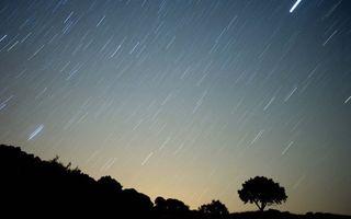 Ploaie de stele: Spectacolul Perseidelor luminează cerul în această noapte