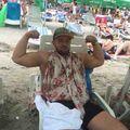 Bărbatul care a bătut o turistă pe plajă cere scuze, dar susţine că a fost provocat
