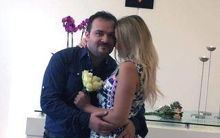 """""""Regele"""" Facebook-ului s-a însurat: Tony Poptămaş a postat pozele de la cununie"""