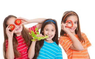 Cum pot fi convinşi copiii să mănânce fructe şi legume? Ponturi utile