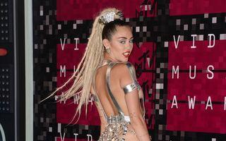 """Miley Cyrus şochează din nou: """"Sunt pansexuală"""""""