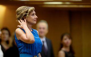Carmen Iohannis nu renunţă la catedră