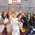 Carmen Iohannis, selfie cu elevii în prima zi de şcoală