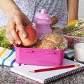 Şcoală. Ce trebuie să conţină pacheţelul cu mâncare al copilului tău?