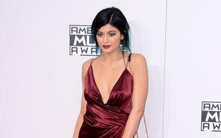 Modă. Kylie Jenner, o vedetă în devenire. 30 de ţinute spectaculoase