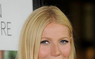 Gwyneth Paltrow și Brad Falchuk și-au făcut publică relația