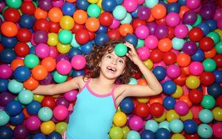 Familie. Ce trebuie să ştii când alegi un loc de joacă pentru copilul tău?