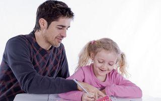 De ce temele pentru acasă sunt o povară pentru elevi? Cum îi ajutăm să înveţe