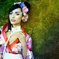 Lili Sandu a fost transformata de Adrian Perjovschi intr-o gheisa contemporana!
