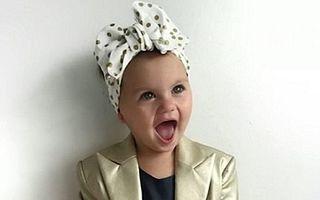 Cea mai elegantă fetiţă: La doar 18 luni, primeşte câte o ţinută gratis pe zi