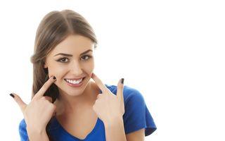 Sănătate. Cum să te fereşti de bolile gingiilor? Primele simptome
