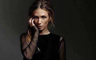 Vedetă fără fiţe: Adela Popescu se îmbracă de la Second Hand