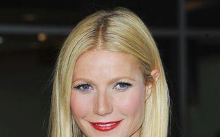 """Gwyneth Paltrow îngrozeşte femeile: """"Faci cancer mamar dacă porți sutien!"""""""