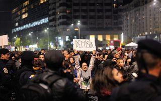 """Noi proteste în Capitală. Mesajul oamenilor: """"Toate partidele, aceeaşi mizerie"""""""