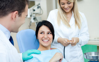 Sănătate. Afecțiunile stomatologice, rezolvate fără durere și zgomot, cu ajutorul laserului