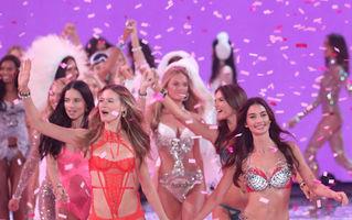 Show-ul Victoria's Secret. Apariţiile spectaculoase ale modelelor. 40 de imagini