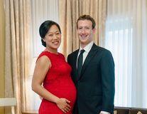 Mark Zuckerberg a devenit tată şi a donat 45 de miliarde de dolari