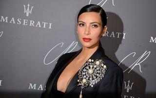 Cum îl cheamă pe băiețelul lui Kim Kardashian? Saint West!