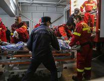 Drama din Colectiv: 24 de răniţi mai sunt în spitalele din Capitală, trei în stare critică