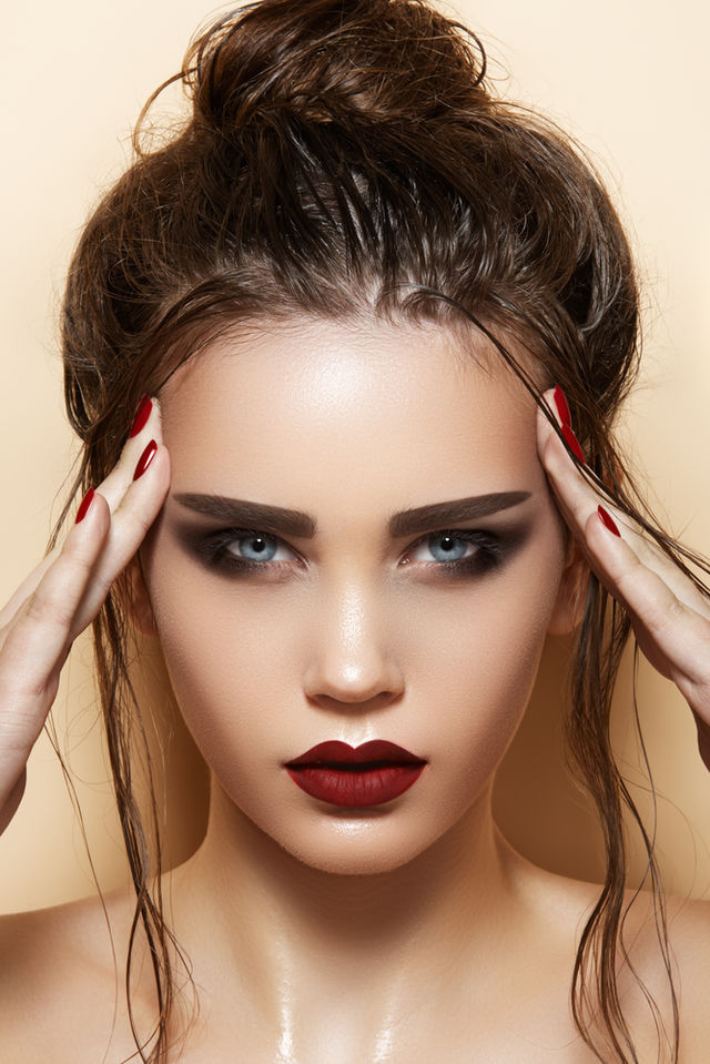 Frumuseţe 5 Reguli Ca Să Foloseşti Corect Rujul închis La Culoare