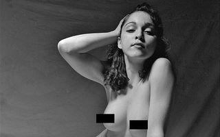 Material Girl: Madonna, goală, la 20 de ani - FOTO