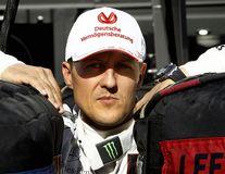 Veşti bune despre Michael Schumacher: Fostul pilot ar fi reuşit să ridice o mână