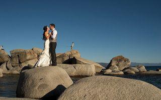 Casă de piatră! Şi poze la fel de tari! Cele mai amuzante poze de nuntă