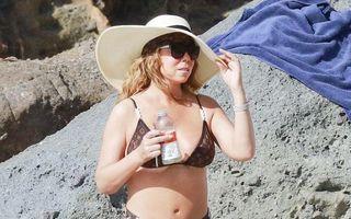 """""""Splendoare"""" pe nisip: Mariah Carey, la plajă în bikini Louis Vuitton"""