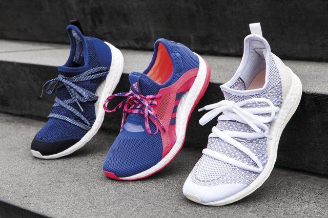 7dc8aef3d57ad4 adidas a făcut echipă cu atlete din întreaga lumea pentru a produce un  pantof pentru alergare destinat femeilor, realizat de către femei.
