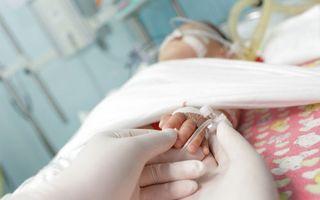 Încă un bebeluş din Argeş diagnosticat cu sindrom hemolitic-uremic