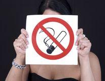 Punerea pe piaţă a ţigărilor şi a tutunului cu arome va fi interzisă
