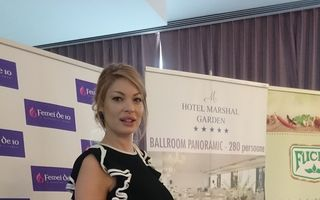 Valentina Pelinel, sexy în luna a şaptea de sarcină