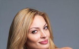 Scandal. Valentina Pelinel vrea scuze publice de la Monica Tatoiu