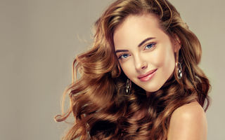 Frumuseţe. 7 trucuri simple pentru păr care-ţi fac viaţa mai uşoară