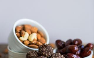 Dietă. 5 idei de gustări sănătoase din trei ingrediente