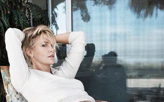 """Charlize Theron, despre relaţia încheiată cu Sean Penn: """"Nu mai mergea"""""""