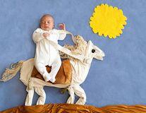 """Bebeluşii adorabili, pozaţi în scene din """"Aladdin"""" şi """"Sinbad Marinarul"""""""