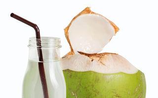 5 motive să consumi apă de cocos în fiecare zi