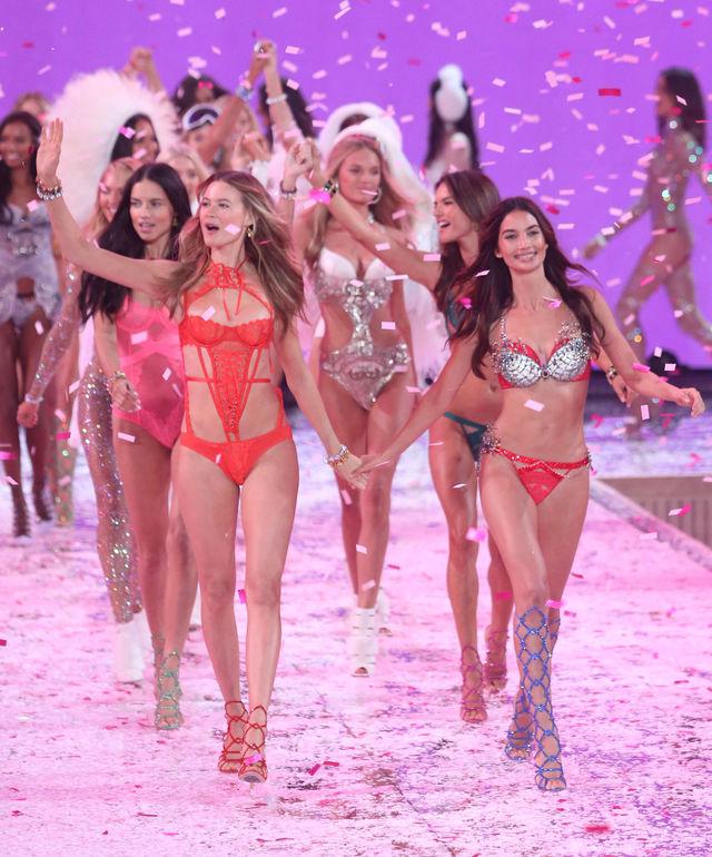 Show-ul Victoria's Secret din 2015