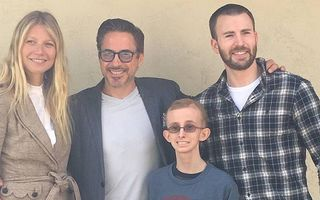 Emoţionant: Gwyneth Paltrow, Robert Downey Jr. şi Chris Evans au vizitat un fan bolnav de cancer