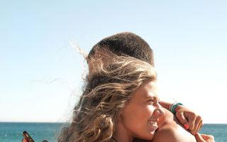 Studiu: Abuzul de tehnologie în vacanţă distruge romantismul şi viaţa sexuală