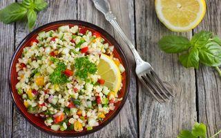 3 salate săţioase care sunt potrivite pe caniculă