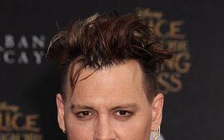 Johnny Depp, divorţ cu scandal: Soţia îl acuză că a bătut-o, fosta iubită îi ţine partea